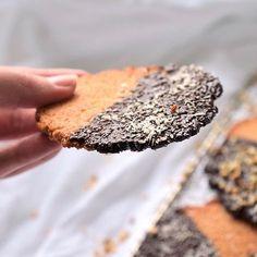 Hauchzarte Low Carb Mandelkekse • Lachfoodies | Köstliche Low Carb Rezepte
