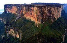 The Mind-Blowing Mt. Roraima, the triple border point of Venezuela, Brazil and Guyana and one of the oldest geological formations on Earth