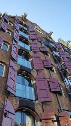 42 coisas que adoramos em Amesterdão | Viaje Comigo World, Places, Travel, Beautiful, Viajes, Stuff Stuff, Windows, Wood, Holland