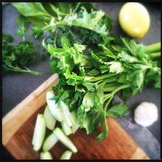 Green Juice Recipe - www.sunshineleishy.com
