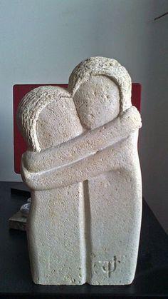 Le baiser (d& Constantin Brancusi) Sculptures Céramiques, Art Sculpture, Pottery Sculpture, Modern Sculpture, Abstract Sculpture, Slab Pottery, Ceramic Pottery, Ceramic Art, Art Pierre