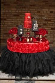 love the table skirt