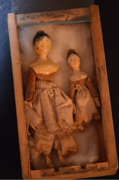 Antique Doll Set Grondnertal Wood Petite Dolls Miniature Queen Ann