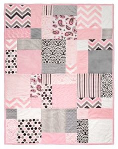 "disappearing 9 patch layout Free quilt pattern (""Tuscan Cuddle"") using Cuddle pre-cuts from Quilting Projects, Quilting Designs, Quilting Patterns, Quilting Ideas, Easy Baby Quilt Patterns, Simple Quilt Pattern, Quilting Fabric, Sewing Patterns, Diy Projects"