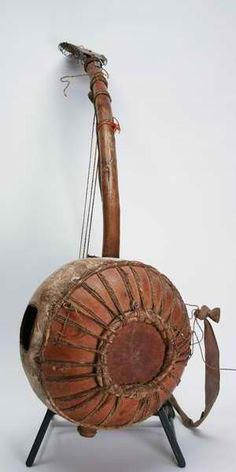 Gourd Musical Instrument - no expensive drumkit needed to keep a rhythm - just make your own drums and percussion shakers!