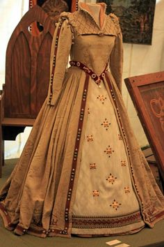 "Dress worn by a former ""Queen Elisabeth."" Found in the ""Museum of Faire-a-panalia"""