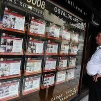 Recuperación Con un crecimiento de 8,3% en junio, el sector cerró la primera mitad del año en alza en la Ciudad de Buenos Aires.  #BibliotecaCPAU #DSI #Clarin #iEco #Inmuebles  #DesarrolloInmobiliario #RealEstate