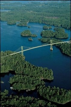 Thousand Islands Bridge, Canadian span, connecting mainland New York, USA and Hill Island, Canada Great Places, Places To See, Places Ive Been, Beautiful Places, Parc National, National Parks, Saint Lawrence River, St Lawrence, Saint Laurent