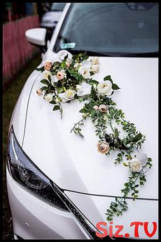 Hochzeitsauto-Dekorations-Ideen mit frischen Blumen Wedding Car Decoration Ideas With Fresh Flowers car Diy Wedding, Wedding Ceremony, Wedding Flowers, Dream Wedding, Wedding Cars, Blue Wedding, Wedding Car Decorations, Flower Decorations, Table Decorations