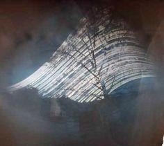 camara nº 125 del proyecto La Lata Global. LOCALIZACIÓN: CALLE DEL RIO EO, MIERES, ASTURIAS. LAT=43.2501123686, LON=-5.77796015223 (GPS) FECHA DE COLOCACIÓN: 4 FEBRERO 2007 Cámara solarigráfica fija sobre tronco de árbol (4mt. de altura) frente a un solar en edificación. Lata de RED BULL 250 cl. Con obturador de aluminio 0,2 mm. ø y cargada con papel KENTMERE. Recogida por Marcos León el 16-12-07. #solarigrafía #solargraphy #lataglobal #pinhole #estenopeica #mieres #asturias #longexposure