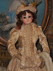Beautiful Emile Jumeau Poupee with Especially Elegant Appearance - WhenDreamsComeTrue #dollshopsunited