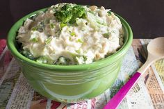 skinny slow cooker creamy chicken serves 6 and has under 5 ingredents