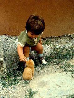 Me recuerda a una foto que tiene mi chico de la infancia...hello!
