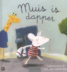 Een eenvoudig boek over bang zijn en angst overwinnen en daarmee dapper te worden. 'Muis is dapper' door Judith Koppens & Eline van Lindenhuizen. Daarmee kunnen peuters op aansprekende wijze over het onderwerp nadenken. Het is een verhaal uit een serie waarin een groepje dieren in de huid van jonge kinderen kruipen. Poes, Muis, Aap, Giraf, Konijn & Hond zijn dikke vrienden. Deze keer speelt Muis de hoofdrol. Een durfalsteentje maakt het verschil.