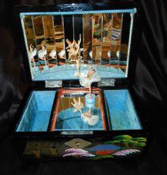 "VINTAGE JAPANESE JEWELRY TOYO MUSIC BOX - 2 BALLERINAS + DANCER - ""FUR ELISE"" 3d Art Projects, Ballerina Jewelry Box, Japanese Jewelry, Ballerinas, Vintage Japanese, Mermaids, Dancer, Fur, Music"