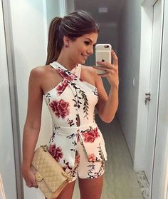 Floral dresses for women and girls are trending in spring and summer style dresses in Here are the best floral outfit ideas for women ideas. Rompers Women, Jumpsuits For Women, Mode Outfits, Fashion Outfits, Fashion Blogger Instagram, Style Instagram, Summer Outfits, Casual Outfits, Casual Dresses