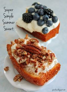 Jo and Sue: Super Simple Summer Sweet. so many different options. The two here: lemon, cheesecake, blueberry/blackberry AND cinnamon,cheesecake, caramel pecans. Non Bake Desserts, Frozen Desserts, Sweets Recipes, Sweet Desserts, Just Desserts, Delicious Desserts, Yummy Food, Super Simple