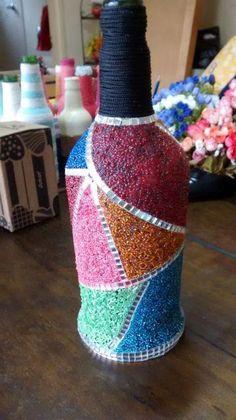 Bottle Cap Projects, Glass Bottle Crafts, Wine Bottle Art, Painted Wine Bottles, Diy Bottle, Glass Bottles, Decorated Bottles, Decoupage Jars, Diy Wine Glasses