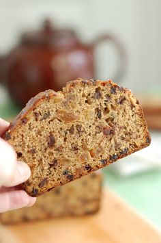 Irish Tea Brack is a not-too-sweet quick bread that is moist with dried fruits that have been soaked in strong black tea. The honey glaze is brushed on when the loaf is hot from the oven. Pan Bread, Bread Baking, Tea Brack Recipe, Irish Tea, Bread Recipes, Cooking Recipes, Irish Recipes, Artisan Bread, Quick Bread