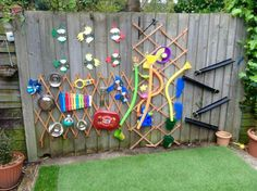 Music wall for adam new backyard in 2019 backyard for kids diy. Eyfs Outdoor Area, Outdoor Play Areas, Outside Playground, Playground Ideas, Sensory Wall, Sensory Boards, Sensory Garden, Water Walls, Outdoor Classroom