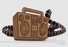 Collier Wood Fellas BoomBox en bois disponible chez www.dezerv.com