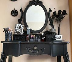 Ladies Dressing Table - fully equipped