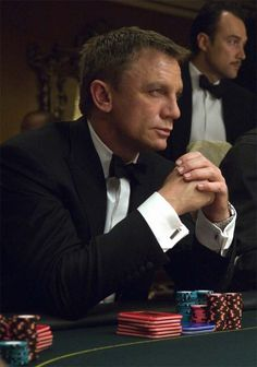 'Casino Royale' starring Daniel Craig as James Bond. Rachel Weisz, 007 Casino Royale, Richard Curtis, Daniel Graig, James Bond Style, Daniel Craig James Bond, Craig Bond, Under The Hammer, Der Gentleman