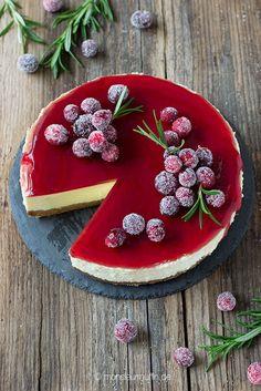 Glühwein-Cheesecake| cheesecake| Rezept für einen Weihnachts-Cheesecake mit Glühweintopping und gezuckerten Cranberries| mulled wine cheesecake with cranberries| Meine kreative Weihnachtsbäckerei | © monsieurmuffin
