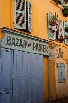 Le Panier, Marseille #france #tourism #tourisme #marseille #pacatourism #pacatourisme  #PACA #provencal  #notredame #tourismepaca #tourismpaca #masillia #vieuxport