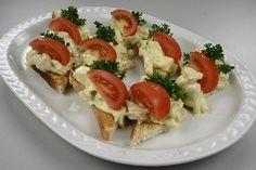 Hønsesalat med karry, asparges og ananas Tapas, Danish Food, Caprese Salad, Bruschetta, Finger Foods, Sushi, Buffet, Vegetarian Recipes, Bacon