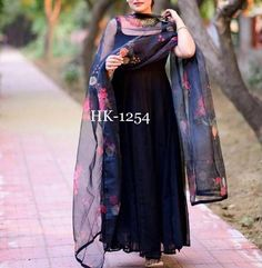 Order #HK1254 Georget SILK GOWN₹1110 on WhatsApp number +919619659727 or ArtistryC.in