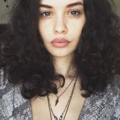 Sabrina_Claudio - Google Search Beauty Makeup, Hair Makeup, Hair Beauty, Pretty People, Beautiful People, Sabrina Claudio, Curly Hair Styles, Natural Hair Styles, Snake Skin Dress