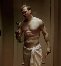 Blue Bloods Danny Reagan (Donnie Wahlberg) shirtless