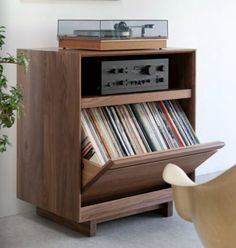 Vintage stereo cabinet had integrated speakers a - Mobile porta dischi vinile ...