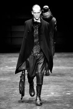 JULIUS【2012-13 f/w collection】 resonance;【RUNWAY PHOTO】