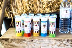 Socorro! Sou mãe...: Os 3 anos do (cow)boy: Party Printables Cowboy by Kids&Babies Design (rótulos para tubos de bolas de sabão e para garrafas de água) - Foto: Crush
