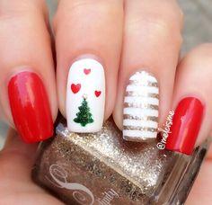 Best Christmas Nails for 2017 - 64 Trending Christmas Nail Designs - Best Nail Art Christmas Tree Nails, Christmas Nail Art Designs, Xmas Nails, Holiday Nails, Red Nails, Winter Christmas, Easy Christmas Nail Art, Disney Christmas Nails, Xmas Trees