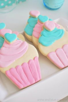 Pink and Aqua Cupcake Theme Party #cupcake #cookie