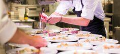 Wildrestaurant gespecialiseerd in wild en wijn-spijs combinaties #Echoput #luxury #hotel #restaurant #designhotel #Apeldoorn #HoogSoeren #Veluwe #Netherlands #gastronomy #finedining #Michelin  #forest #banquet #banquetpreparation #cheflife #foodpreparation #hotelkitchen #restaurantkitchen