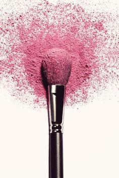 """Why You Can't """"Print"""" Quality Cosmetics - makeup - Makeup Artist Tattoo, Makeup Artist Quotes, Makeup Artist Kit, Makeup Quotes, Farmasi Cosmetics, Makeup Articles, Makeup Wallpapers, Dramatic Makeup, Pink Makeup"""