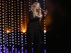 She was in Ellen's studio for this awesome performance of her unstoppable hit!