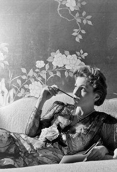 fuckindiva:  Joan Fontaine