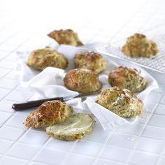 Opskrift på grovboller med hytteost og spinat
