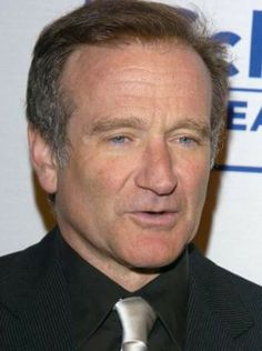 . Robin Williams Movies, Physical Comedy, Hero Movie, People Laughing, Black White Photos, Funny People, His Eyes, I Laughed, Famous People