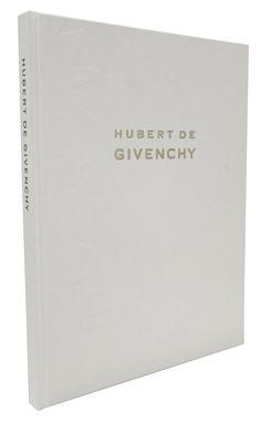 Catálogo de la exposición Hubert de Givenchy 36.10 € Museum Shop, French Fashion Designers, Key, Books, Shopping, Libros, French Designers, Unique Key, Book
