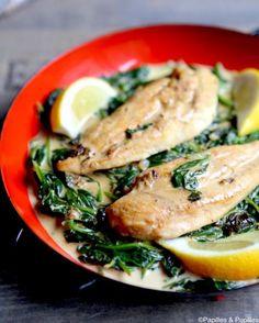 Escalopes de poulet au citron, ail et épinards »