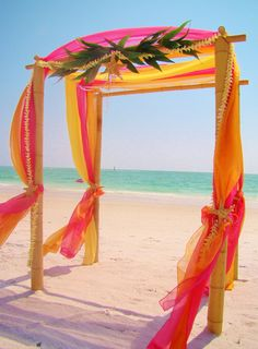 Wedding Settings: beach color and magic....