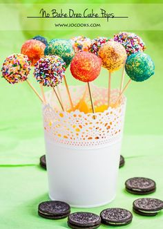 No bake oreo cake pops, all you need are oreo cookies, cream cheese, some chocolate and lots sprinkles. These oreo cake pops are fun to make with kids.