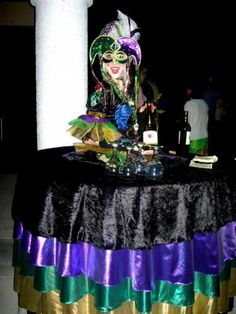 mardi gras party tables