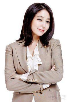 lee Min Jung Korean Hairstyles Women, Hairstyles For Gowns, Lee Min Jung, Lee Min Ho Girlfriend, Lee Min Ho Hairstyle, Lee Min Ho Instagram, Asian Celebrities, Celebs, Lee Min Ho Pics